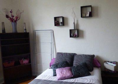 Lea-Interiors-Design-Bergerac_Conseils-pour-achat-Chambre-amis-violet-parme-2