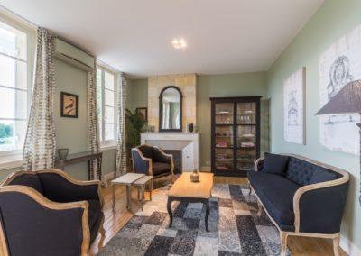 Lea-Interiors-Design-Bergerac-St-Emilion-mise-en-scene-salon-vert-2