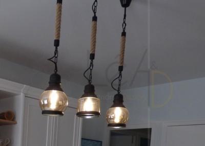 Lea-Interiors-Design-Bergerac_Decoration-Interieur-Style-Industriel-marin_Salle-a-manger-Suspensions-marin-noir-cordes