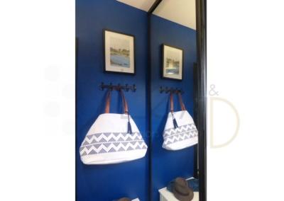 Lea-Interiors-Design-Bergerac_Decoration-Interieur-Style-Industriel-marin_Entree-Porte-manteaux-Aquarelle-Sophie-Larricq
